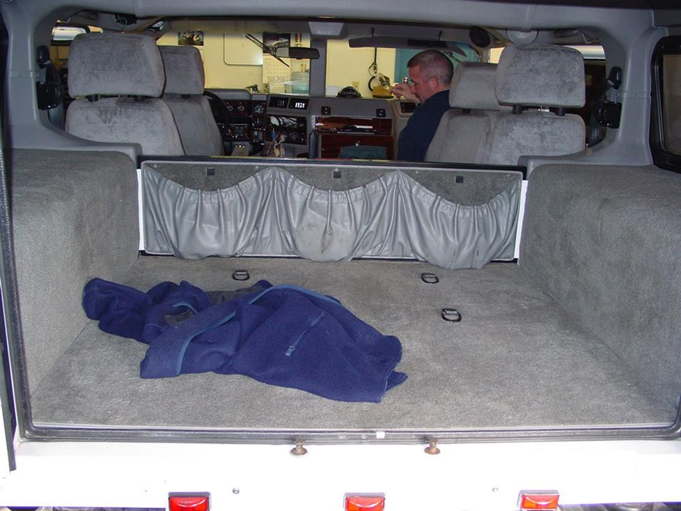 hummer h1 cargo area