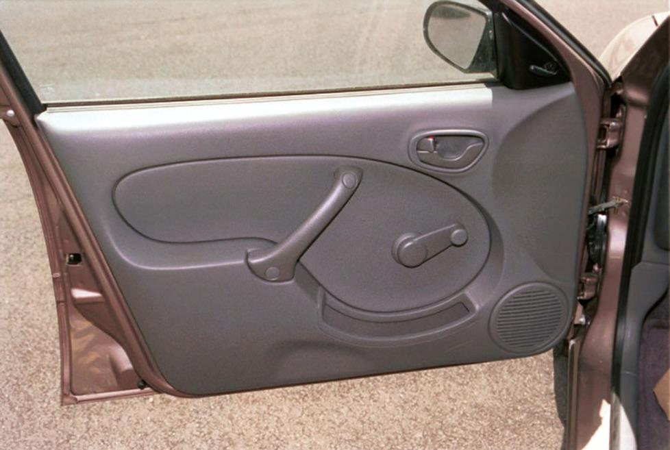 geo chevy metro front door