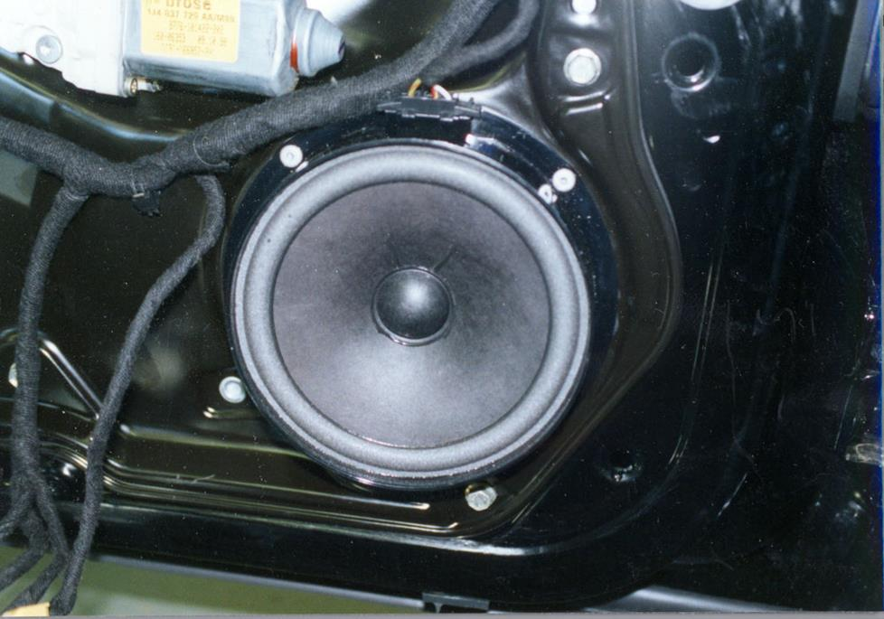 volkswagen jetta rear door speaker