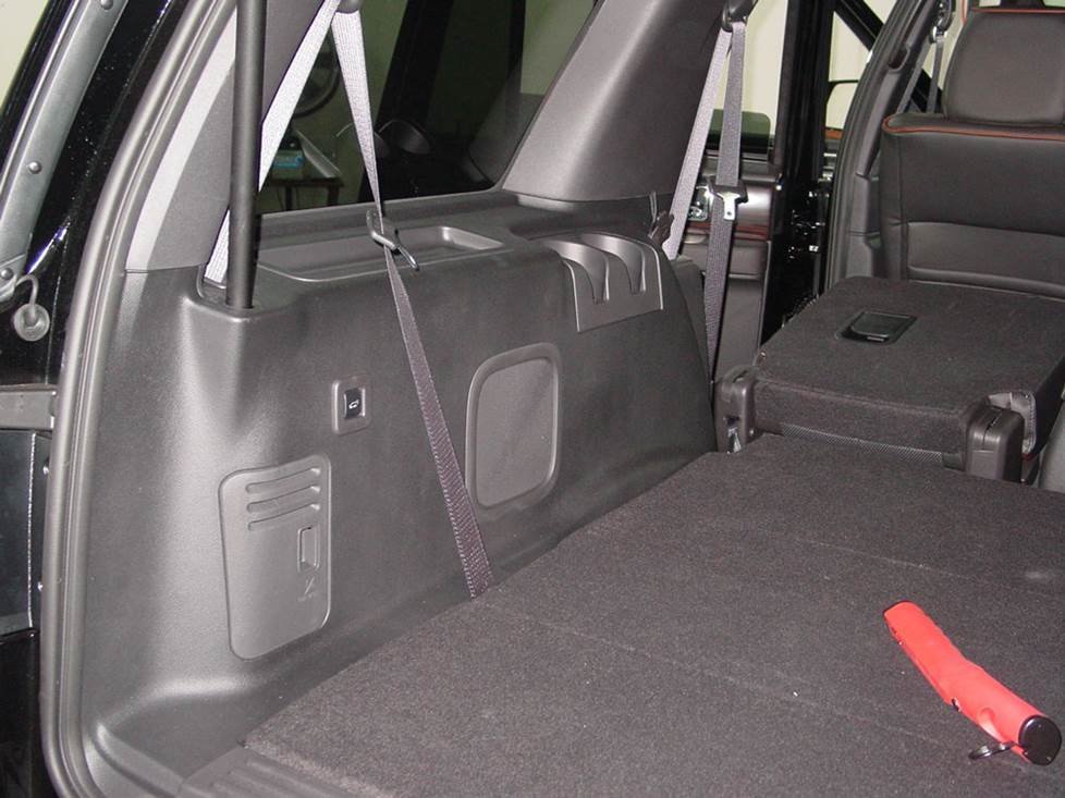 lincoln navigator rear cargo subwoofer
