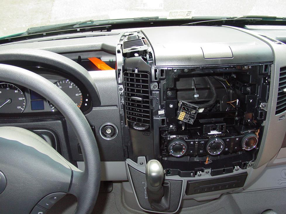 mercedes sprinter center dash radio