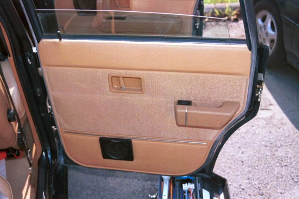 volvo 240 rear door