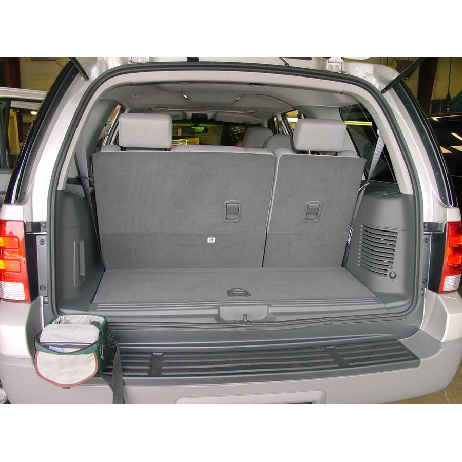 2006 Ford Expedition Cargo space