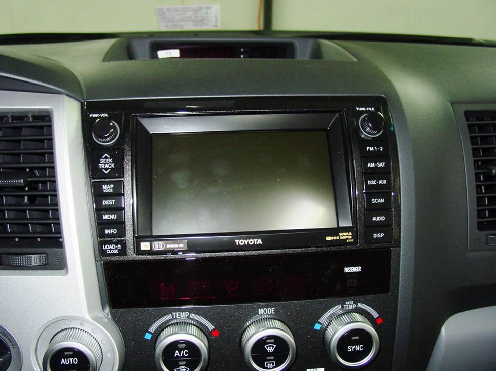 toyota sequoia radio
