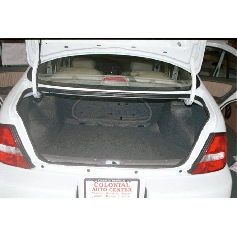 1998 Nissan Altima Cargo space