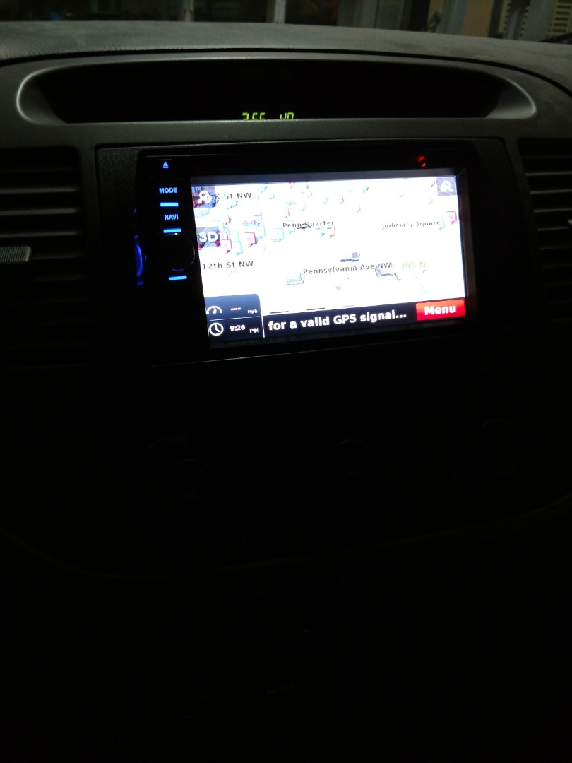 Boss BN965BLC Navigation receiver with included rear-view