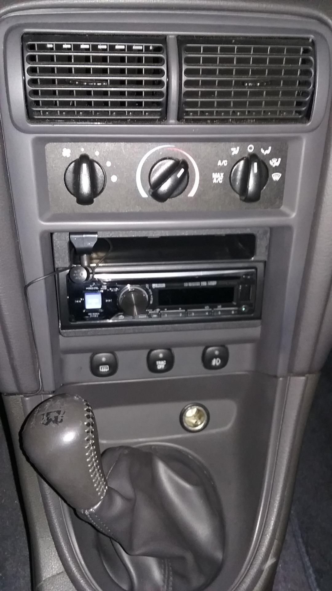 alpine cde-143bt cd receiver at crutchfield com on mahindra 450 wiring  diagram, biondo