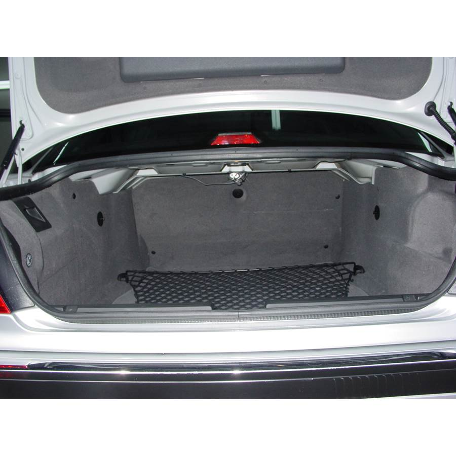 1999 BMW 7 Series Cargo space