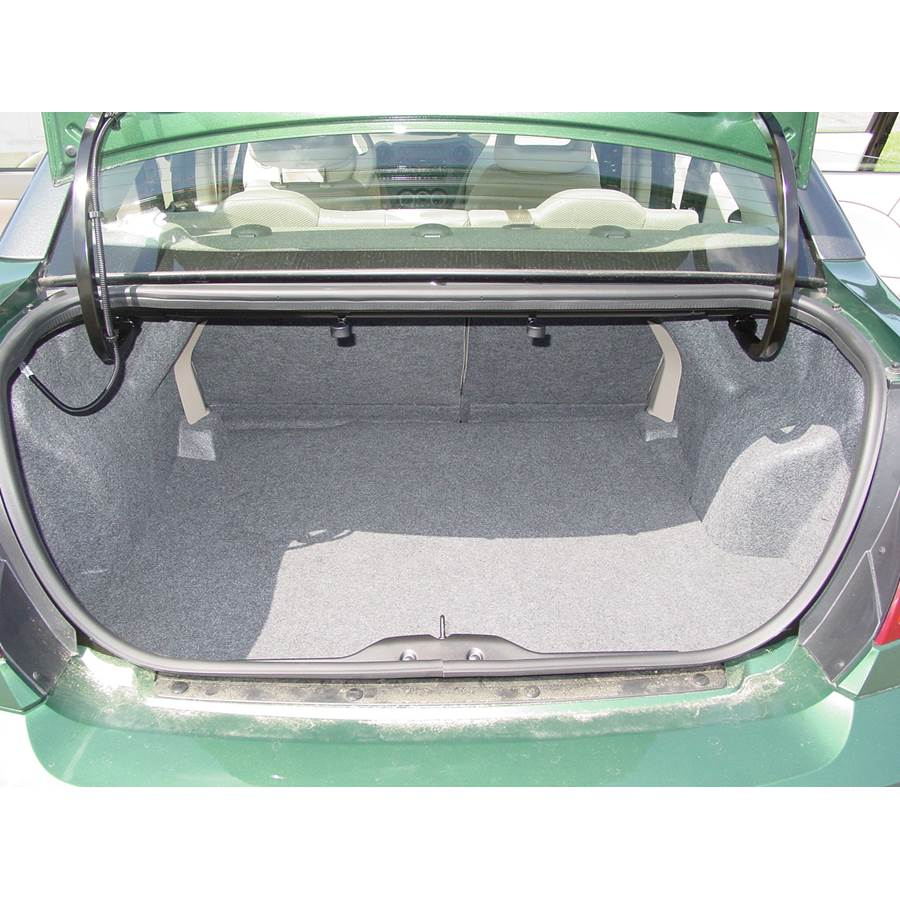 2005 Saturn ION 2 Cargo space
