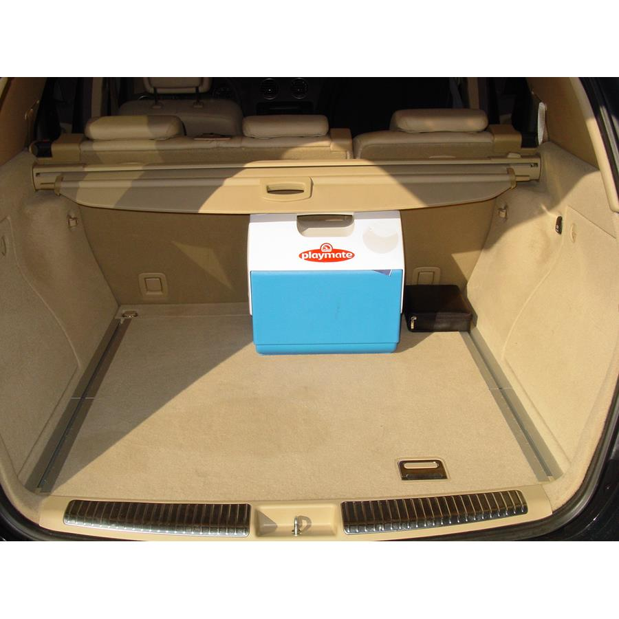 2011 Mercedes-Benz ML550 Cargo space