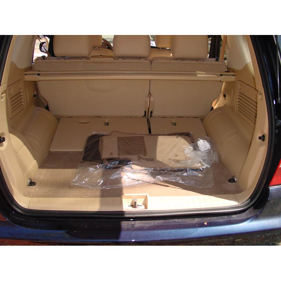 2003 Mercedes-Benz ML55 Cargo space