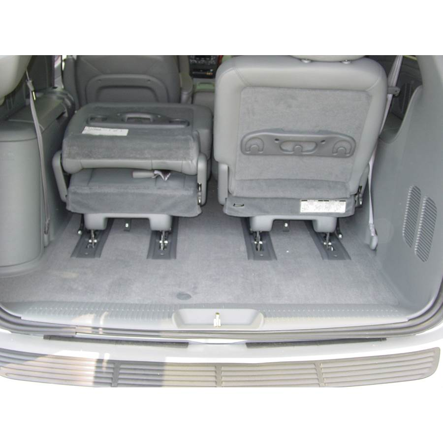 2006 Chrysler Town and Country Cargo space