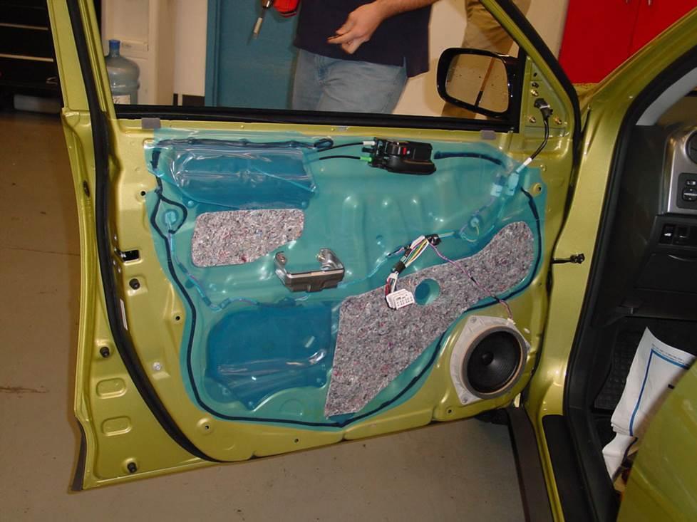 2003-2008 For Pontiac Vibe Front,Left DOOR MIRROR PLATE