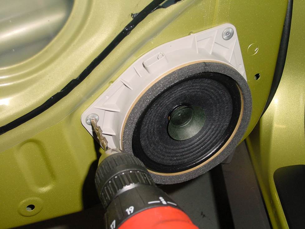pontiac vibe rear door speaker