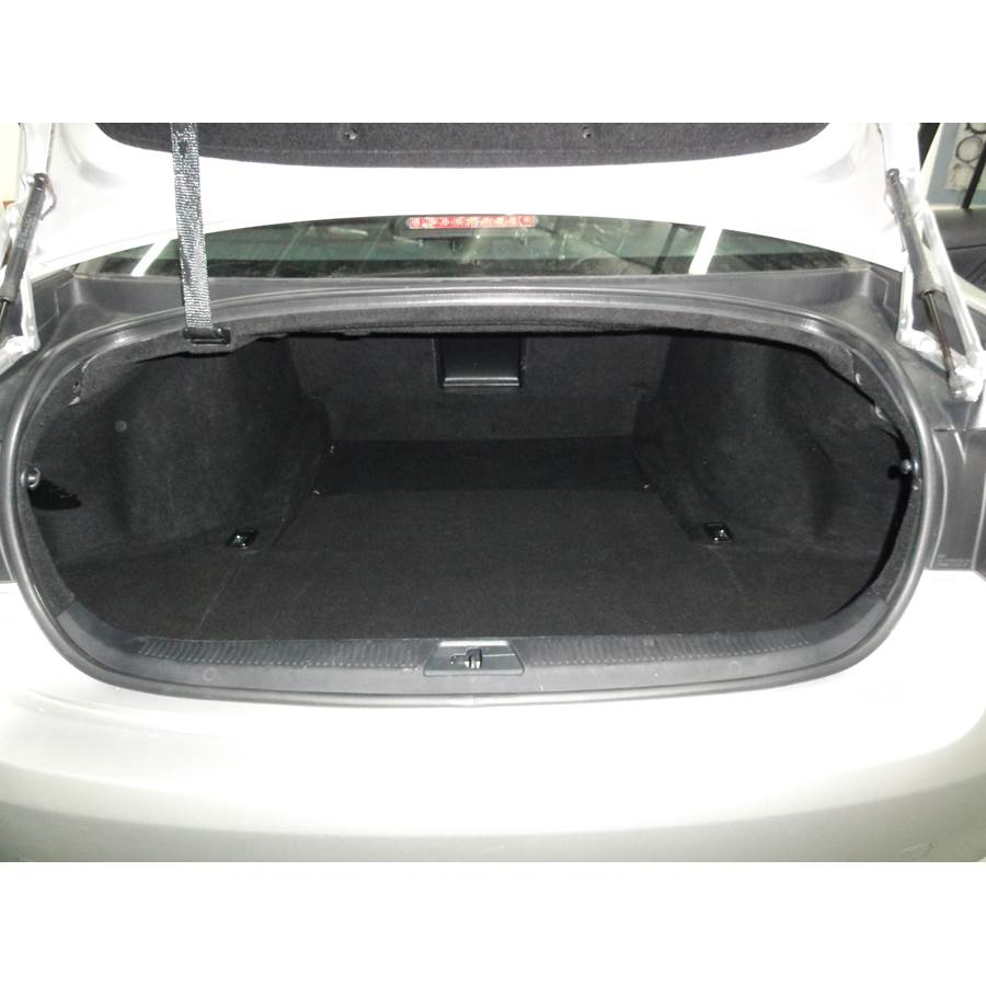 2010 Lexus GS450H Cargo space