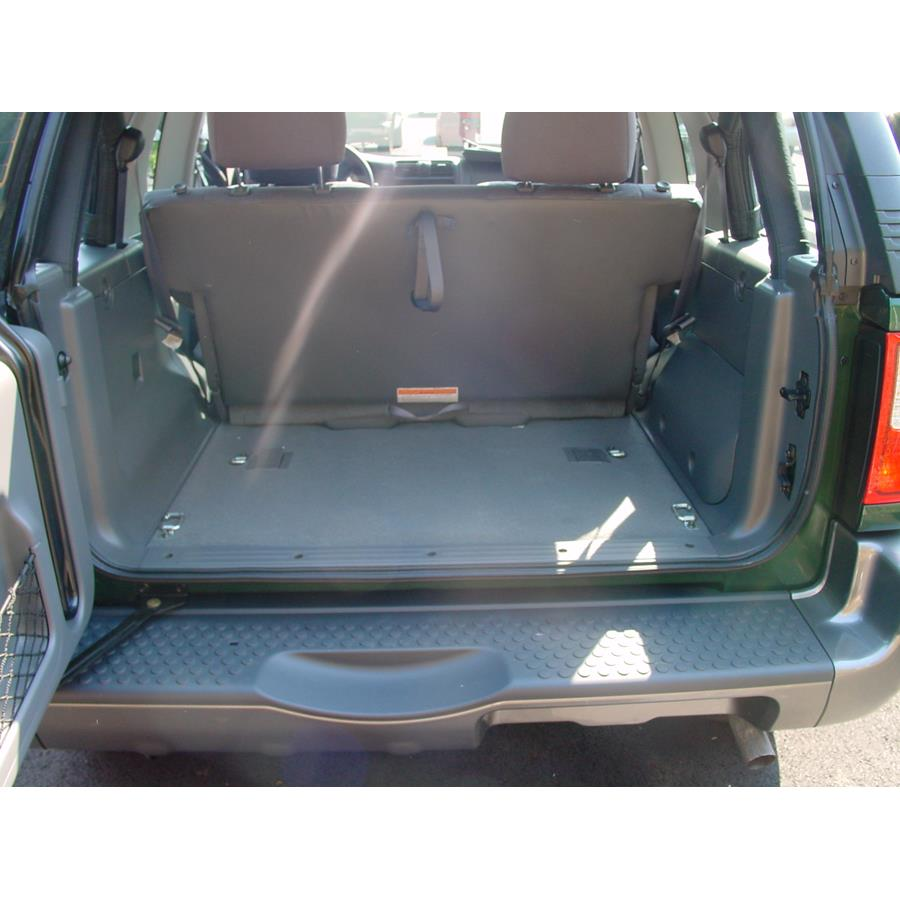 2003 Isuzu Rodeo Sport Cargo space