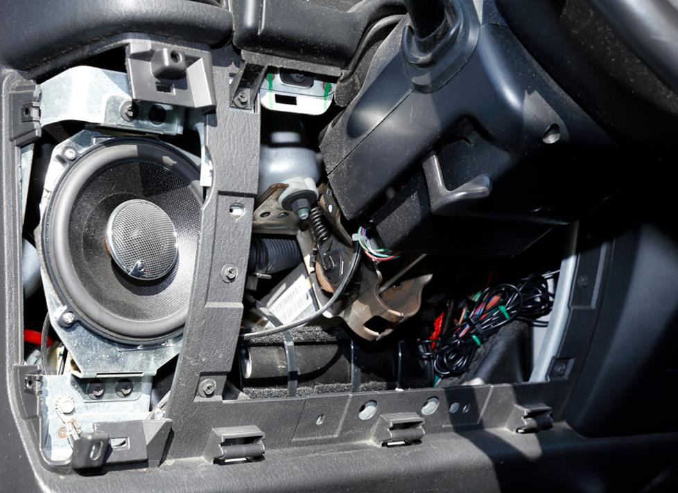 jeep wrangler amplifier installation