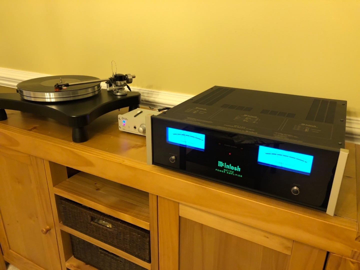 McIntosh MC152 Stereo power amplifier at Crutchfield