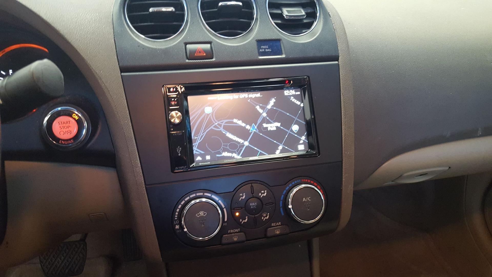 Jensen VX7021 Navigation receiver at Crutchfield