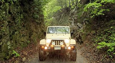 The best electronics gear for an off-road Jeep adventure