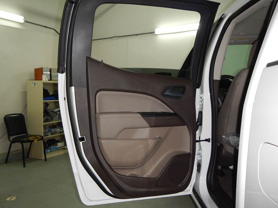chevy colorado crew cab rear door