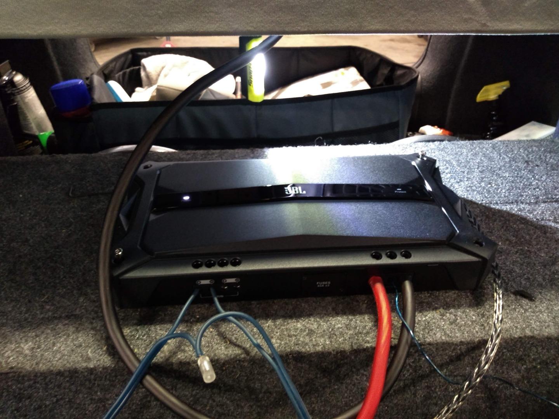 JBL GTR-1001 Mono subwoofer amplifier — 1,000 watts RMS x 1