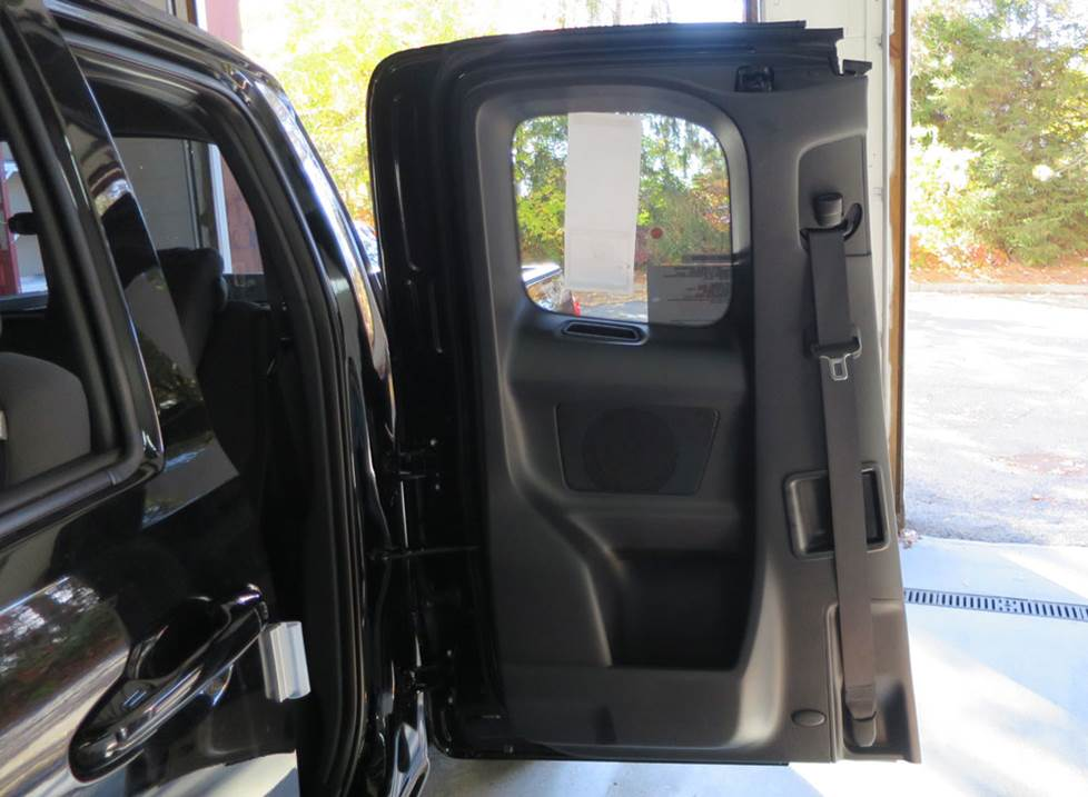 toyota tacoma access cab door