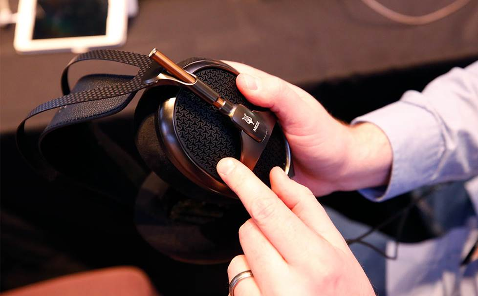 hands on with Meze headphones