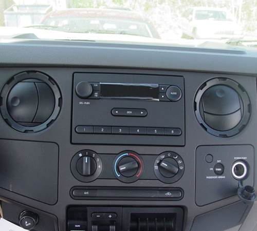 2012 Ford F-750 Factory Radio