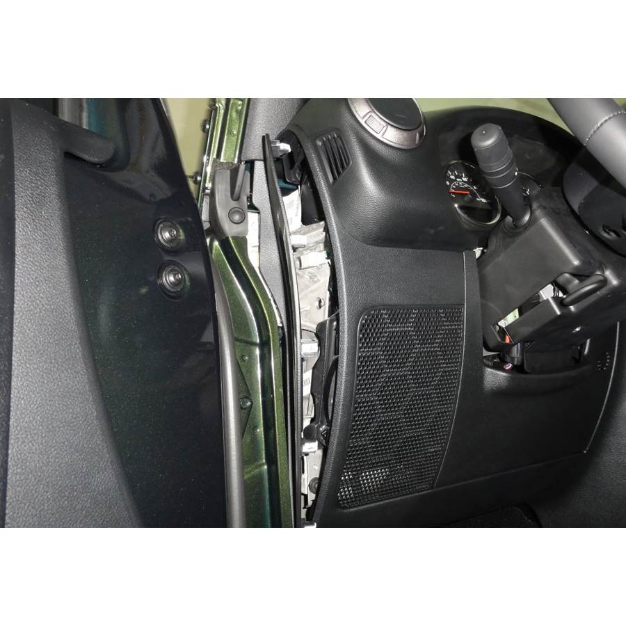 2018 Jeep Wrangler Unlimited (JK) Lower dash location
