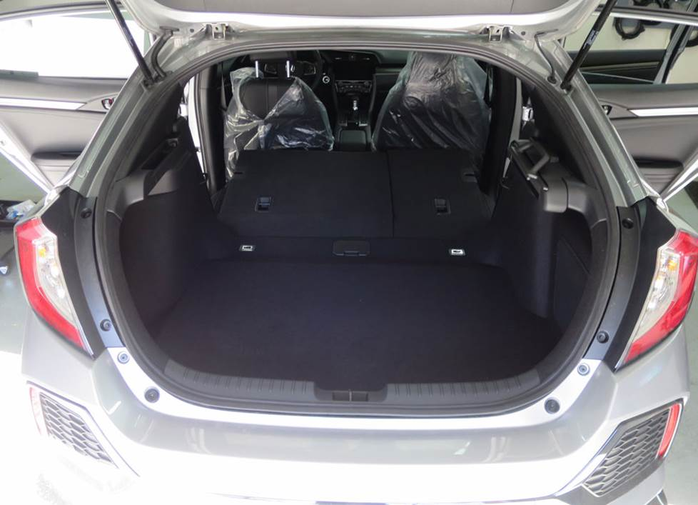 honda civic hatchback cargo area