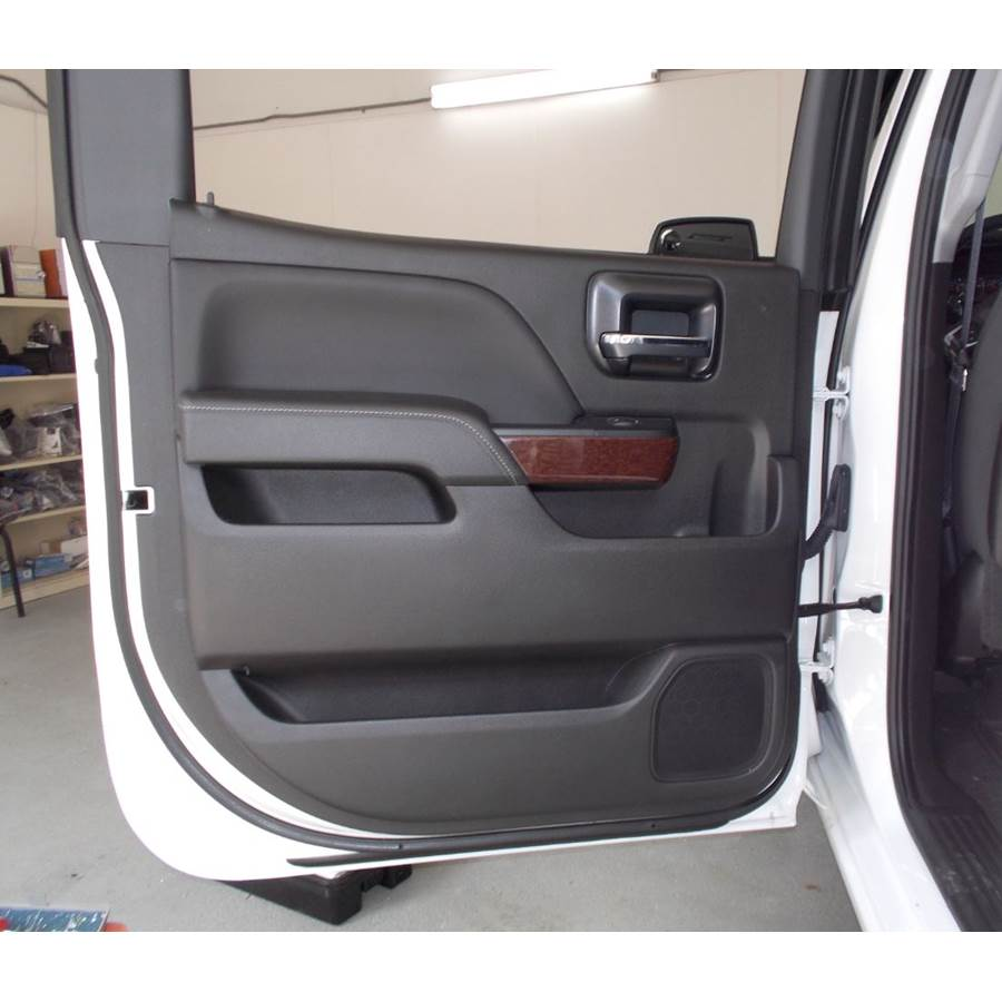 2020 GMC Sierra 2500/3500 Rear door speaker location