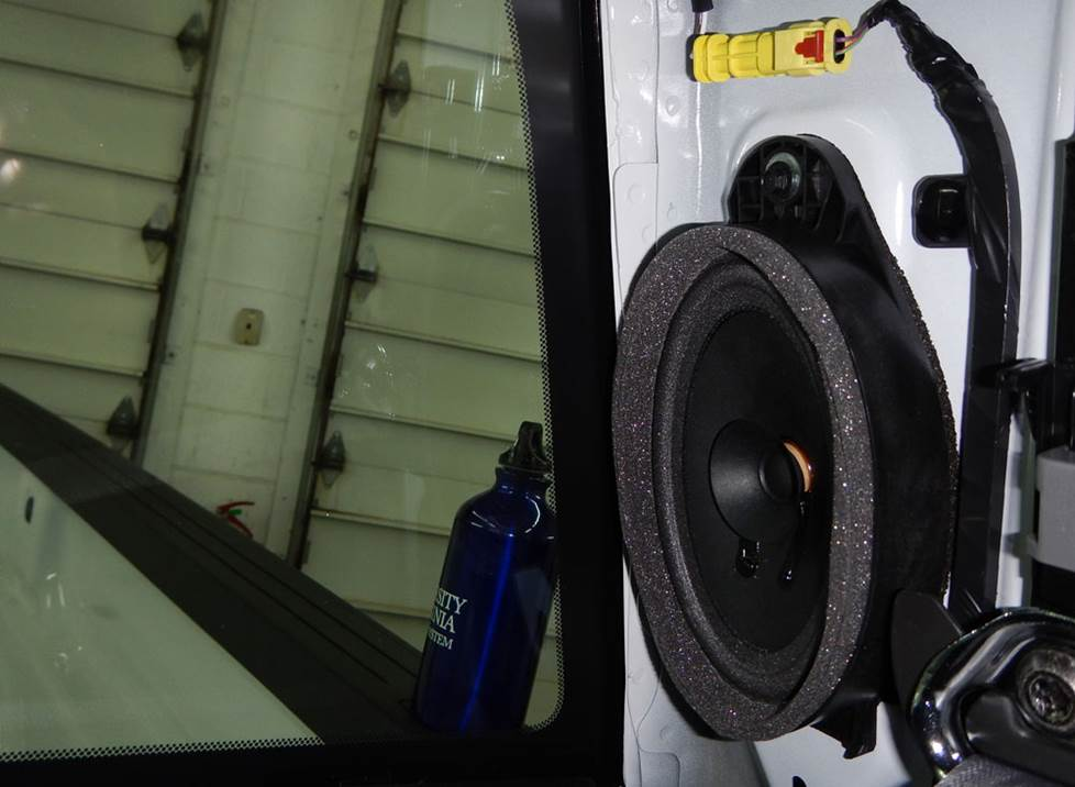 chevy silverado rear pillar speaker