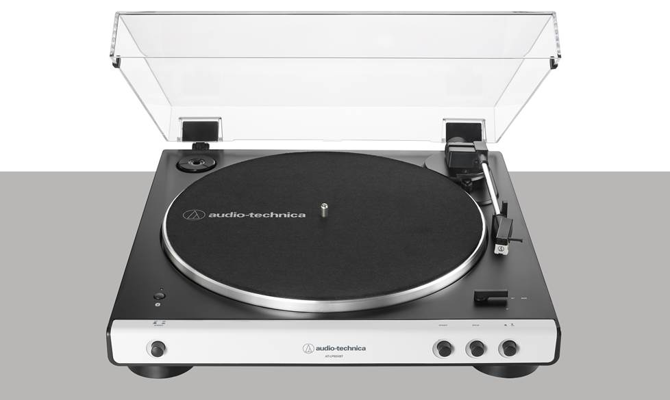 Audio-Technica AT-LP60-BT Fully automatic turntable with built-in phono preamp and wireless Bluetooth® audio output