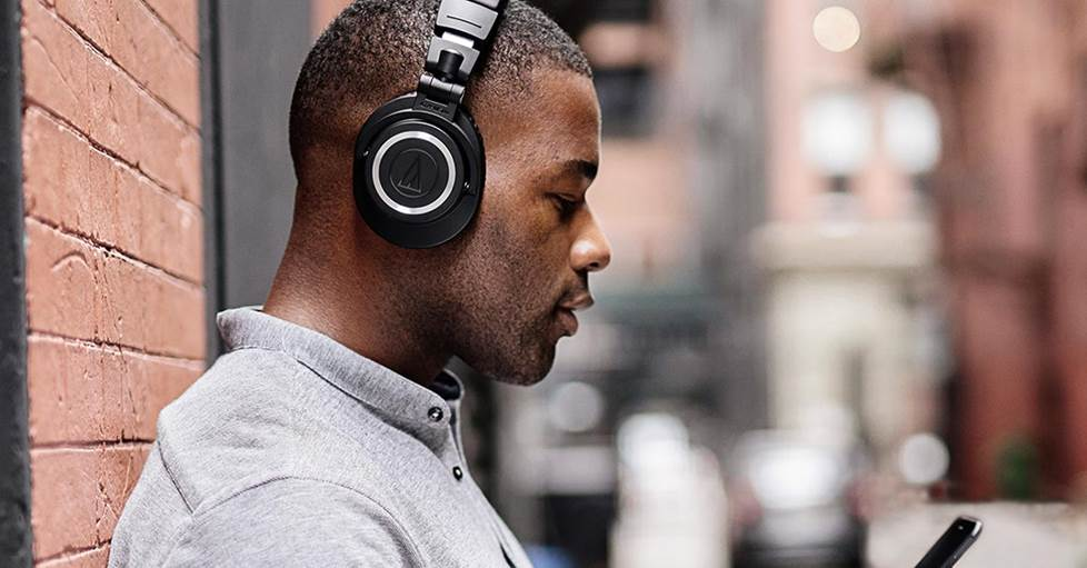 Audio-Technica ATH-M50xBT Over-ear wireless Bluetooth® headphones