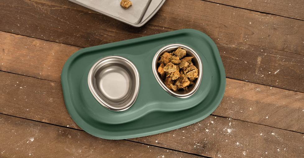 WeatherTech Double Low Pet Feeding System - Two 8 oz. bowls with integrated stand and mat