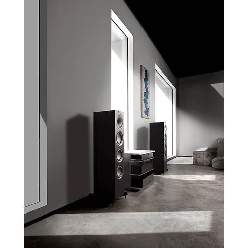 KEF Q750 floor-standing speaker