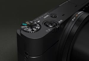 The Sony Cyber-shot® DSC-RX100 features simple, DSLR-like controls