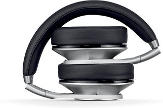 Beats by Dre Executive noise-canceling headphones