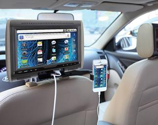 Soundstream Grip-H holding a phone streaming to a monitor