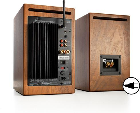 Audioengine's HD6 speakers offer analog and digital inputs, plus an antenna for top-notch Bluetooth® streaming.