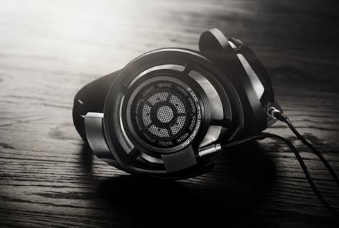 Sennheiser HD 800 S stereo headphones