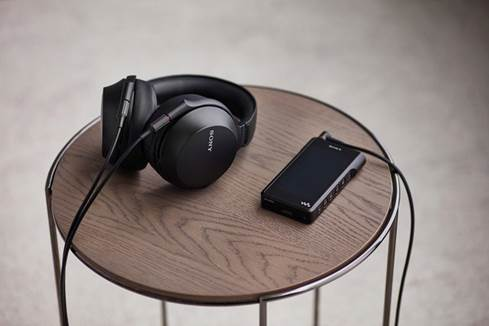 Sony MDR-Z7M2 with Walkman