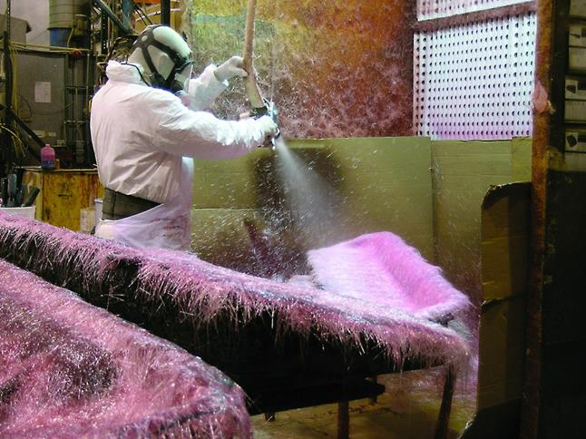 Spraying multiple layers of fiberglass