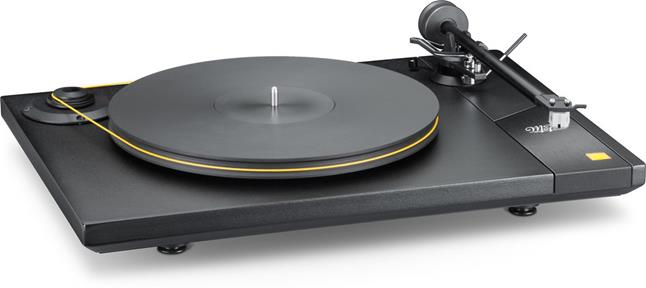 The American-made Mobile Fidelity StudioDeck looks every bit as good as it sounds.
