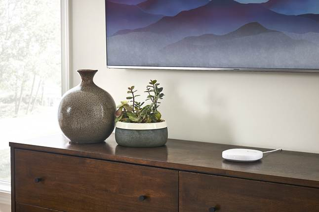 Samsung SmarThings Hub fits in your home's decor.