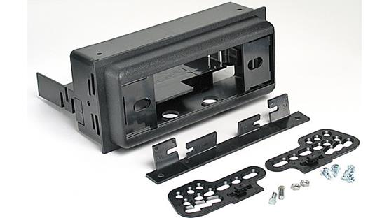 Metra 92-3005P Dash Kit Kit package including bezel, brackets, and mounting hardware