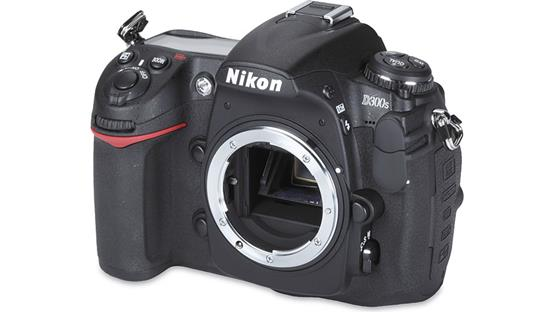 Nikon D300s (no lens included) Front