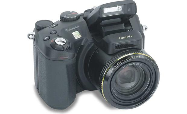 fujifilm finepix s7000 digital camera with 12 megapixel recording at rh crutchfield com FinePix S7000 Battery Cover Replacement Digital Fuji FinePix S7000
