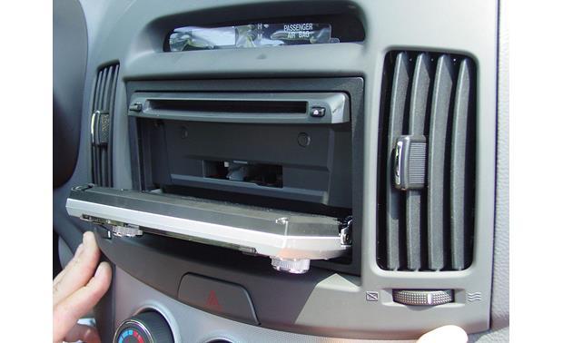 Metra 95-7332 Double DIN Installation Kit for 2007-up Hyundai Elantra Vehicles